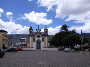 Nice church in Ouro Branco, but what's that looming behind it...