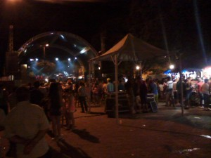 Felixlandia - mostly kids and teenagers dancing to Brazilian funk in the quaint town square
