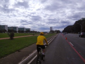 Following Luciano along the Ministries Esplanade