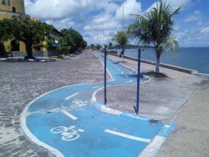 Lovely cycle path from the fort to the marina